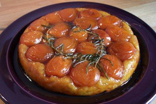 Tarte tatin aux abricots et romarin – Aprikosen-Tarte-Tatin